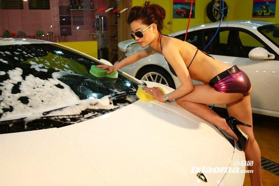 哇塞!上海辣妹比基尼洗车